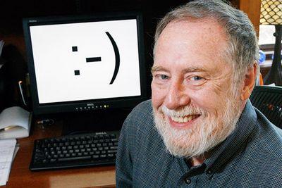 Scott Fahlman, người tạo ra biểu tượng mặt cười đầu tiên trên thế giới