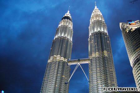 Tòa tháp đôi Petronas (Kuala Lumpur, Malaysia)