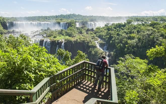 Thác Iguazu, Brazil và Argentina