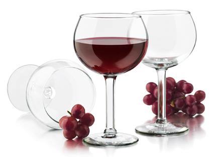 Một ly rượu nho rất có lợi cho tim