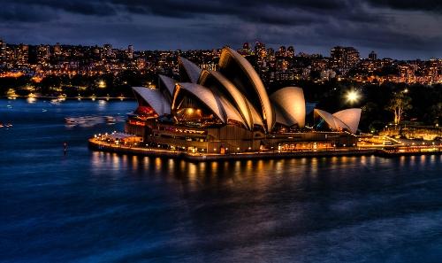 Nhà hát con sò - một trong những biểu tượng nổi tiếng nhất của Australia, nằm tại Sydney. Ảnh: Josh.