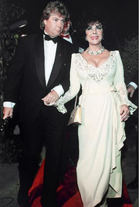 Elizabeth Taylor và Larry Fortensky diễn ra ngày 6/10/1996