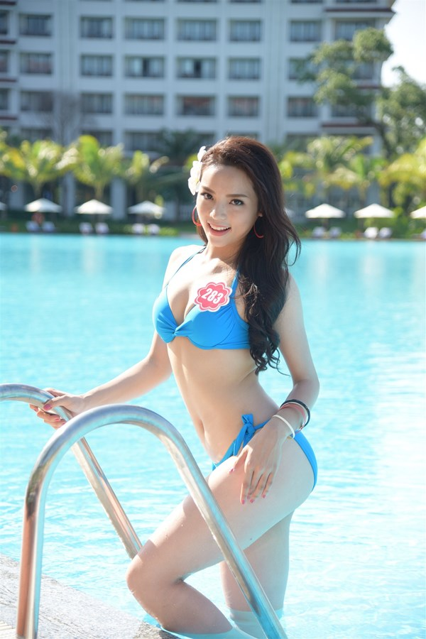 Hình thể khỏe, đẹp và cân đối đã giúp Nguyễn Cao Kỳ Duyên giành giải Người đẹp biển, một phần thi phụ của cuộc thi Hoa hậu Việt Nam 2014