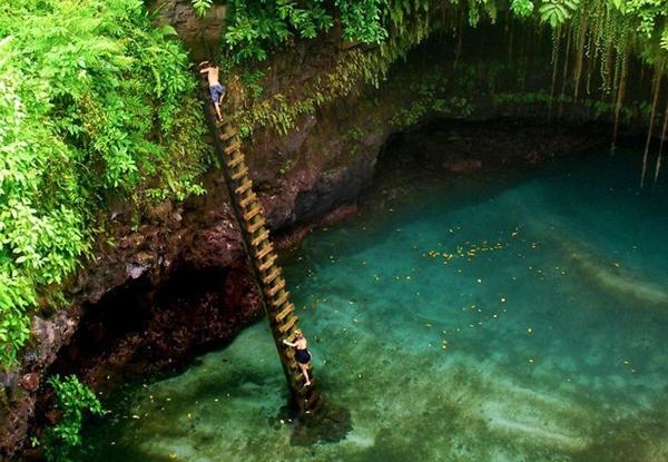 Nhưng khi được thực sự khỏa nước vẫy vùng dưới làn nước mát xanh trong, du khách sẽ cảm thấy những trải nghiệm gian nan vừa rồi rất xứng đáng.