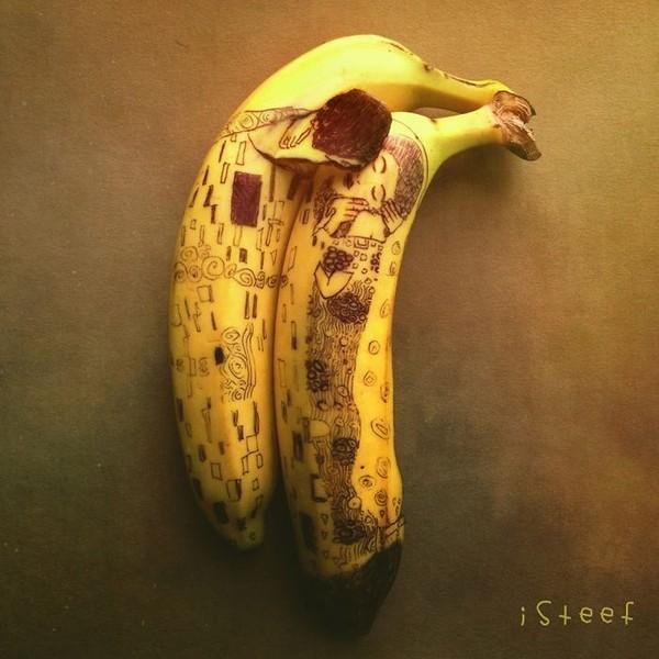 """Ngất ngây với những tác phẩm điêu khắc """"ngồ ngộ"""" từ trái chuối 15"""