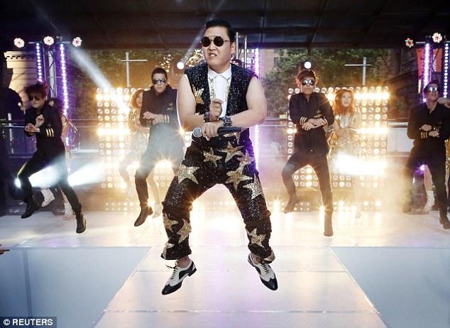 Video YouTube chính thức Gangnam Style của Psy đã được xem hơn hai tỷ lần. Nó là video YouTube được xem nhiều nhất đến nay, video này đã khiến Youtube phải sửa lại bộ đếm