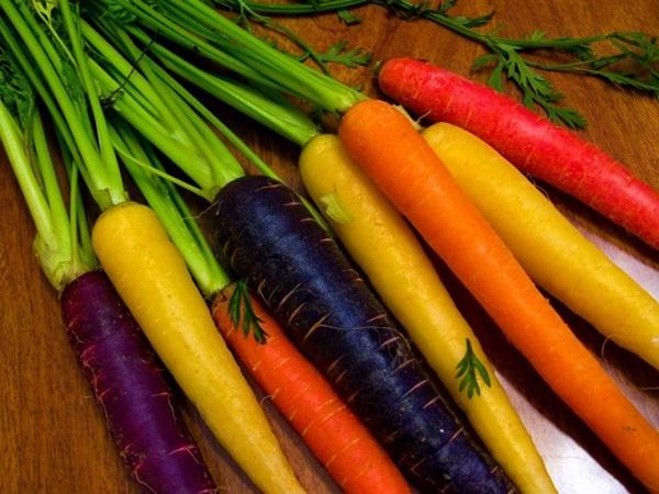 Cà rốt có rất nhiều màu sắc.