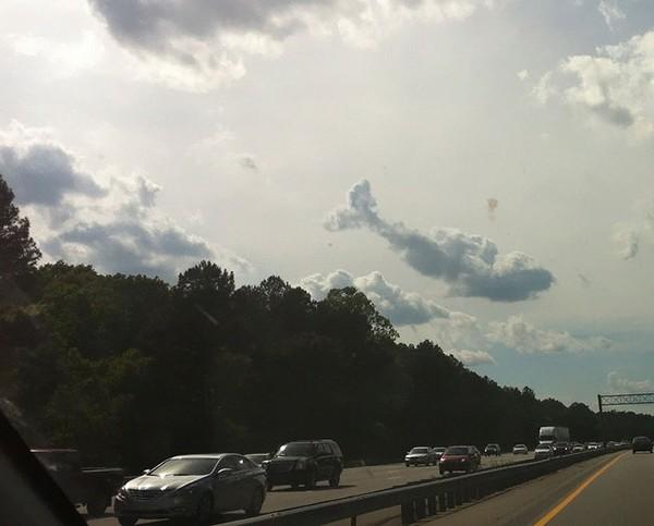"""Chiêm ngưỡng những đám mây """"tình cờ"""" với hình dáng thú vị"""