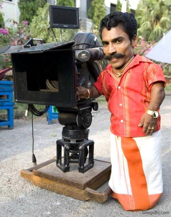 Ajay Kumar (diễn viên nhỏ bé nhất thế giới)