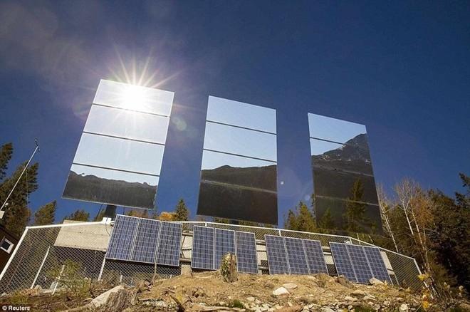 Cuộc sống ở nơi người dân phải sưởi nắng bằng gương