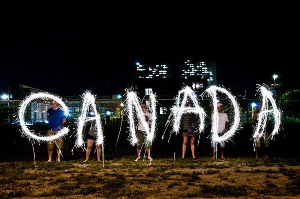 Canada là nước sở hữu số lượng pháo hoa nhập khẩu nhiều nhất thế giới