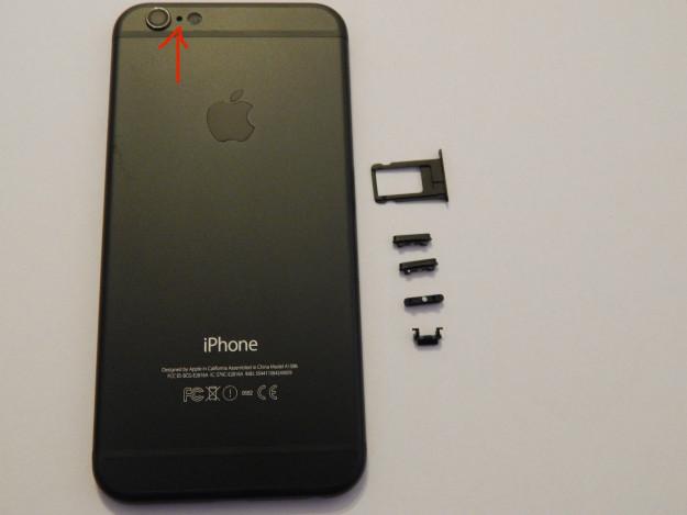 Lỗ nhỏ cạnh camera sau của iPhone để làm gì?
