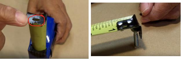 Lỗ nhỏ trên đầu thước cuộn để làm gì?