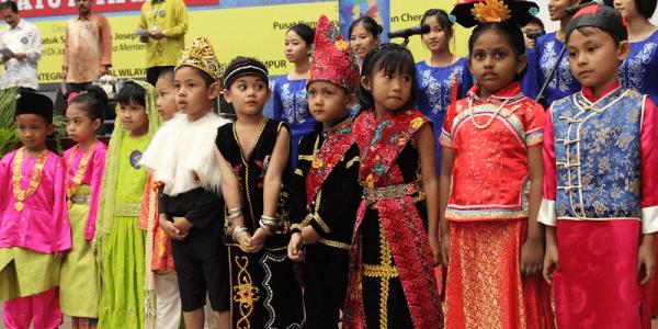 Malaysia là tập hợp của sự đa dạng trong ngôn ngữ, ẩm thực và các nền văn hoá