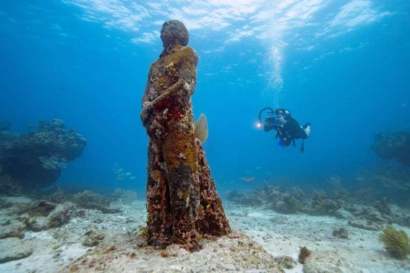 Bảo tàng Nghệ thuật dưới nước ở Cancun, Mexico