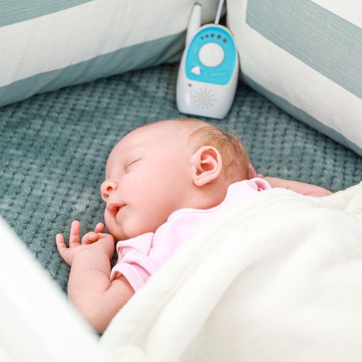 Thiết bị giám sát em bé