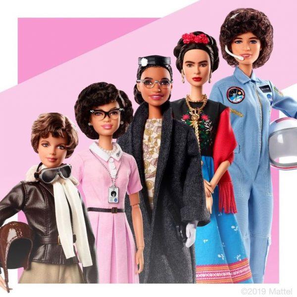 Barbie giáo dục trẻ em về lịch sử của phụ nữ.