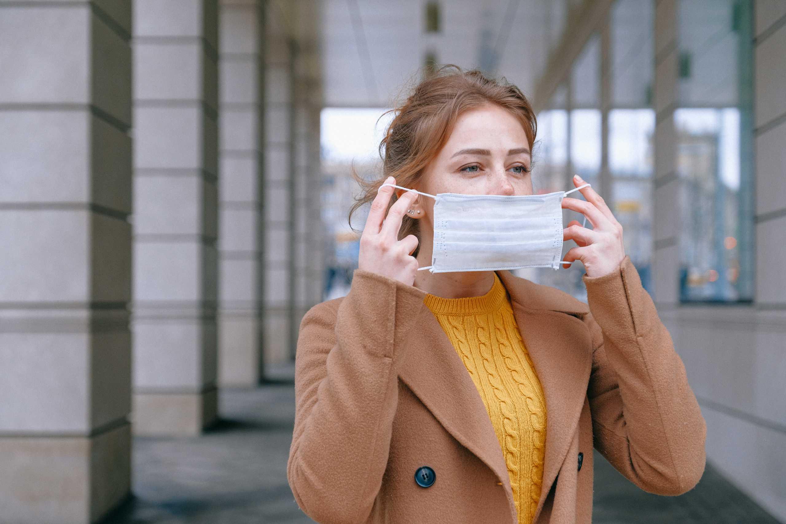 Đeo khẩu trang, ảnh minh hoạ Covid-19 _ Ảnh: pexels.com