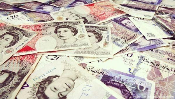 Tiền của Vương Quốc Anh