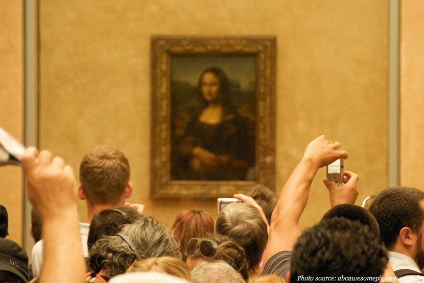 Hơn sáu triệu người đến thăm Mona Lisa tại Louvre mỗi năm. Họ chỉ dành trung bình 15 giây để nhìn cô ấy.