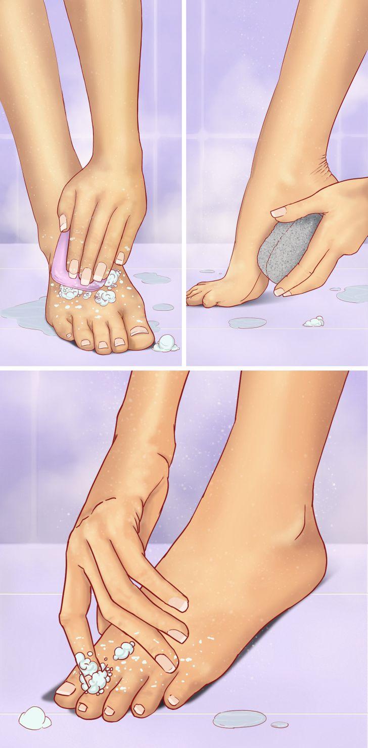 Đó là lý do tại sao, theo bác sĩ da liễu, điều quan trọng là không chỉ rửa chân bằng xà phòng mà còn phải chà bằng đá bọt hàng ngày.