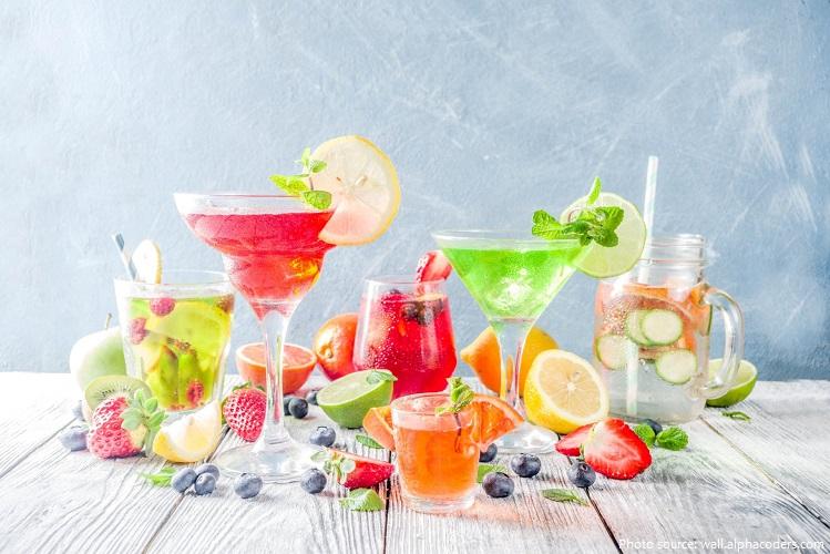 """Nguồn gốc của từ """"cocktail"""" vẫn còn được tranh luận"""