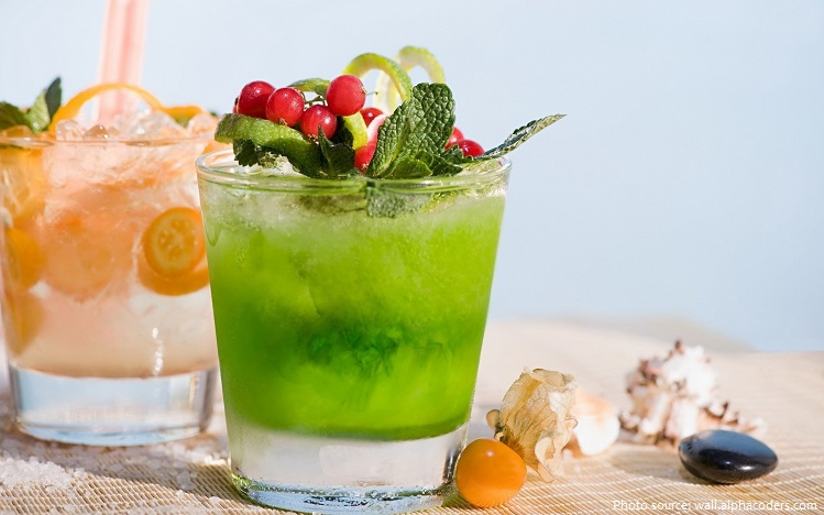 Cocktail trở nên ít phổ biến hơn vào cuối những năm 1960 và qua những năm 1970