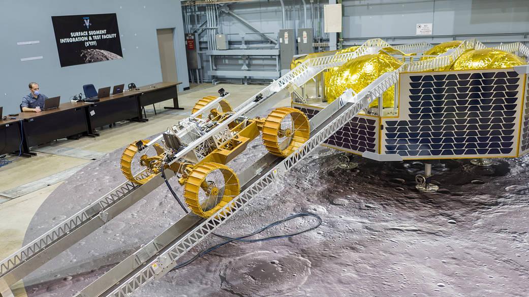 Ảnh: NASA/Johnson Space Center/James Blair