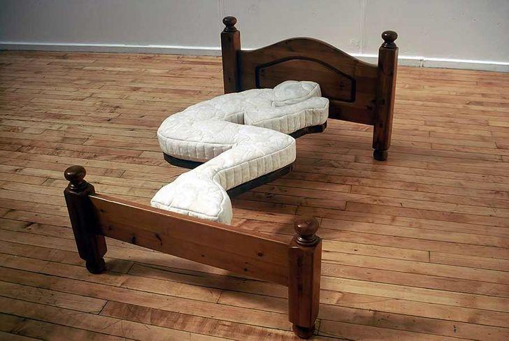Giường tư thế ngủ thai nhi