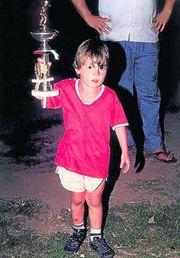 Lionel Messi 5 tuổi với Câu lạc bộ Abanderado Grandoli của Rosario, nơi anh bắt đầu chơi bóng