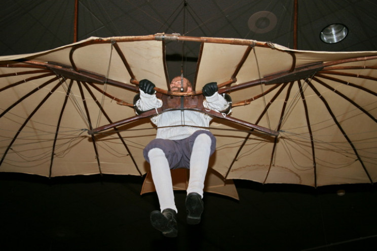 Tàu lượn của Otto Lilienthal trưng bày tại Bảo tàng Hàng không và Không gian Quốc gia. Ảnh: cliff1066/Wikimedia Commons