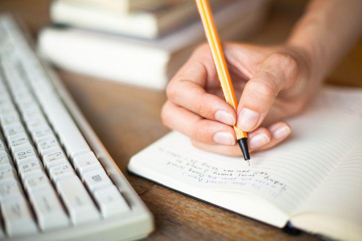 Viết ra những cảm xúc của bạn trước một kỳ thi để thực hiện tốt hơn. Ảnh: © depositphotos.com