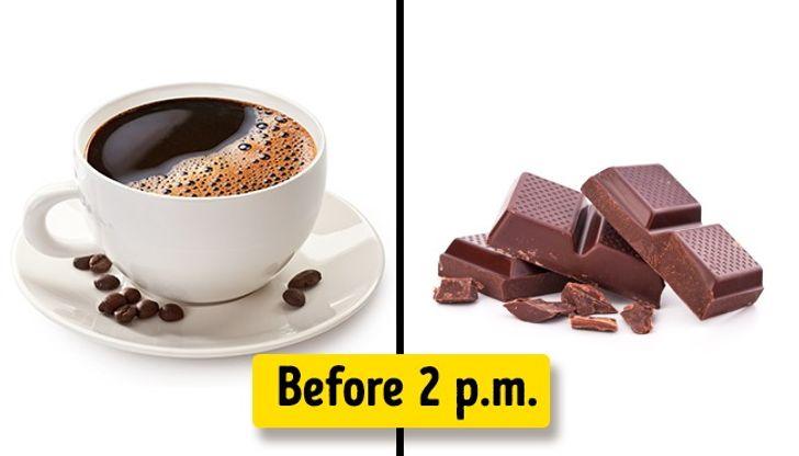 Ăn ít thức ăn có chứa caffeine hơn vào buổi tối.
