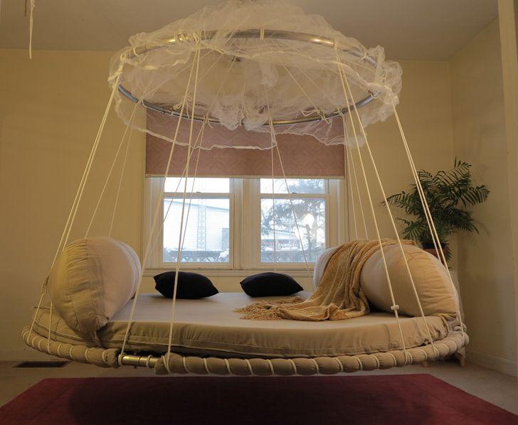 Chiếc giường lơ lửng