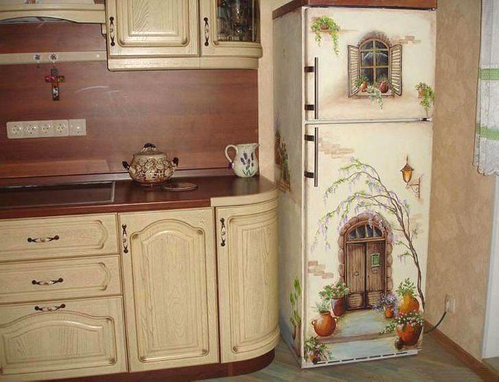 Bạn có thể vẽ lên tủ lạnh không chỉ khiến bạn cảm thấy đẹp mắt mỗi ngày mà còn khiến căn bếp của bạn trông thật sự độc đáo.