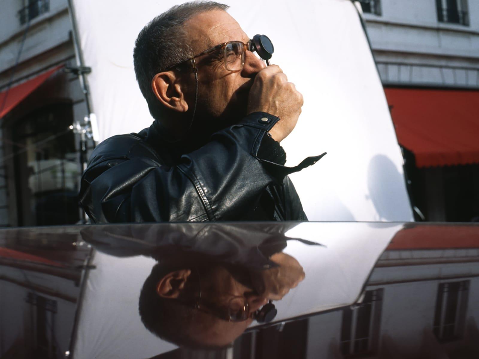 Krzysztof Kieślowski đã đạo diễn cả ba bộ phim trong bộ ba phim Blue, White và Red