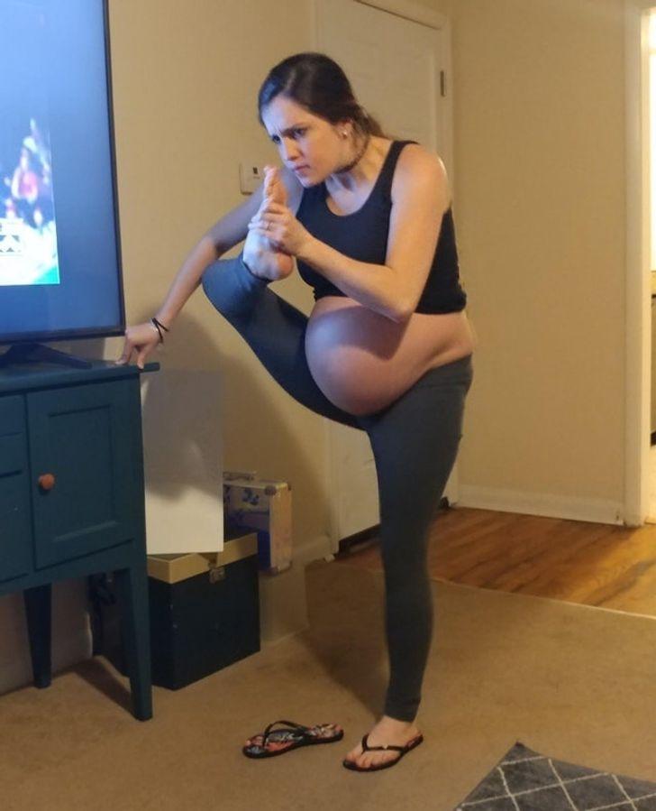 Khi bạn mang thai được 41 tuần, những hành động đơn giản có thể trở nên khá khó khăn.