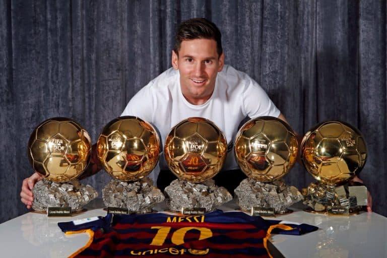 Messi đã giành được Quả bóng vàng FIFA lần thứ năm kỷ lục.