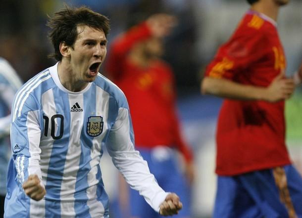 Anh được mời chơi cho Đội tuyển Quốc gia Tây Ban Nha