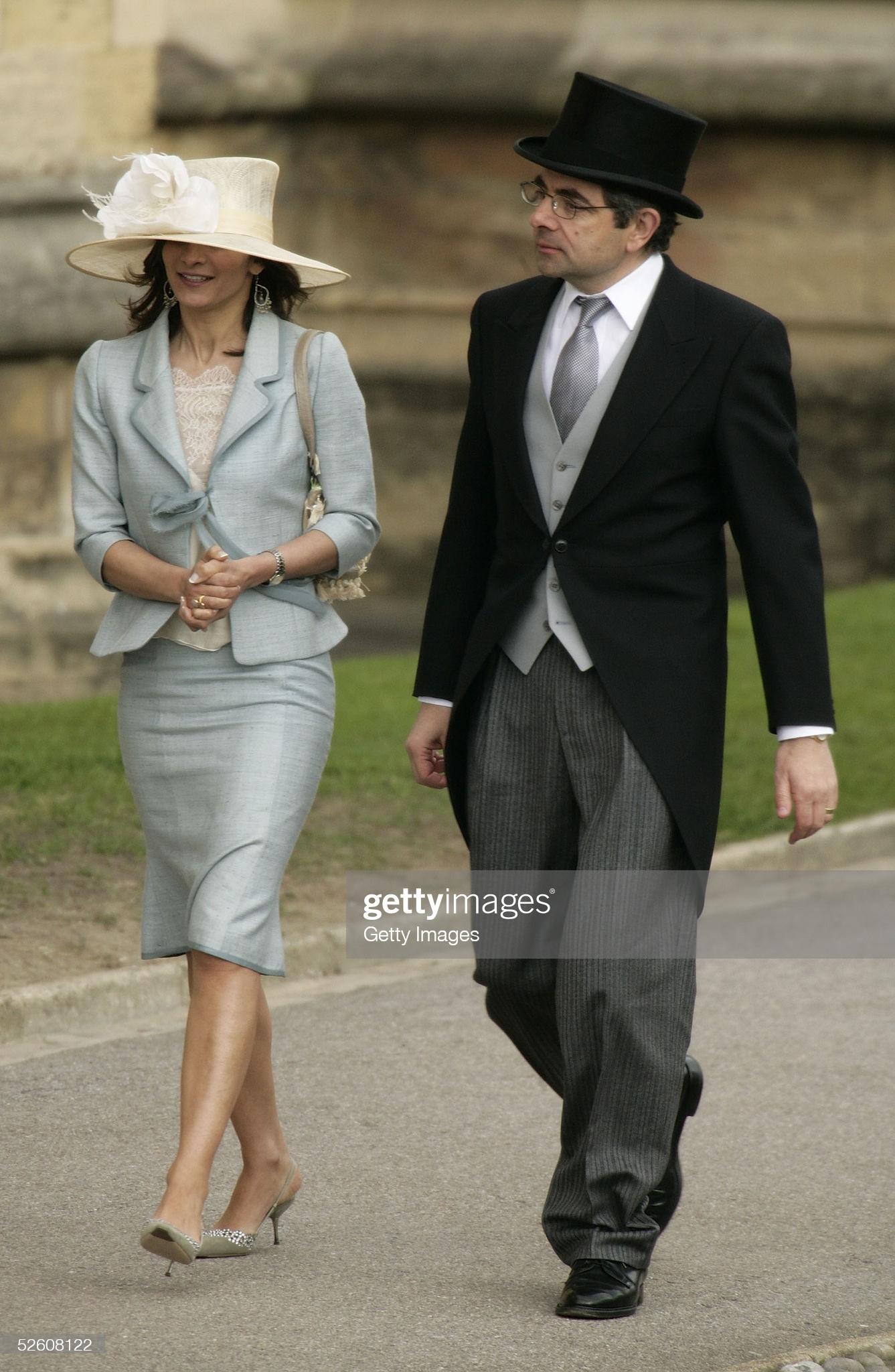 Rowan Atkinson và vợ tham dự Lễ cầu nguyện cống hiến sau hôn lễ của TRH Thái tử Charles và Nữ công tước xứ Cornwall,