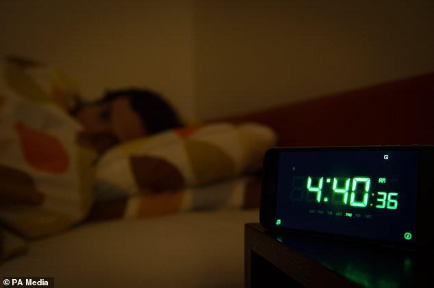 Những người bị mất ngủ có nguy cơ tử vong vì bất kỳ nguyên nhân nào, chẳng hạn như tai nạn xe hơi hoặc đau tim, cao hơn 10% so với những người không bị rối loạn giấc ngủ.