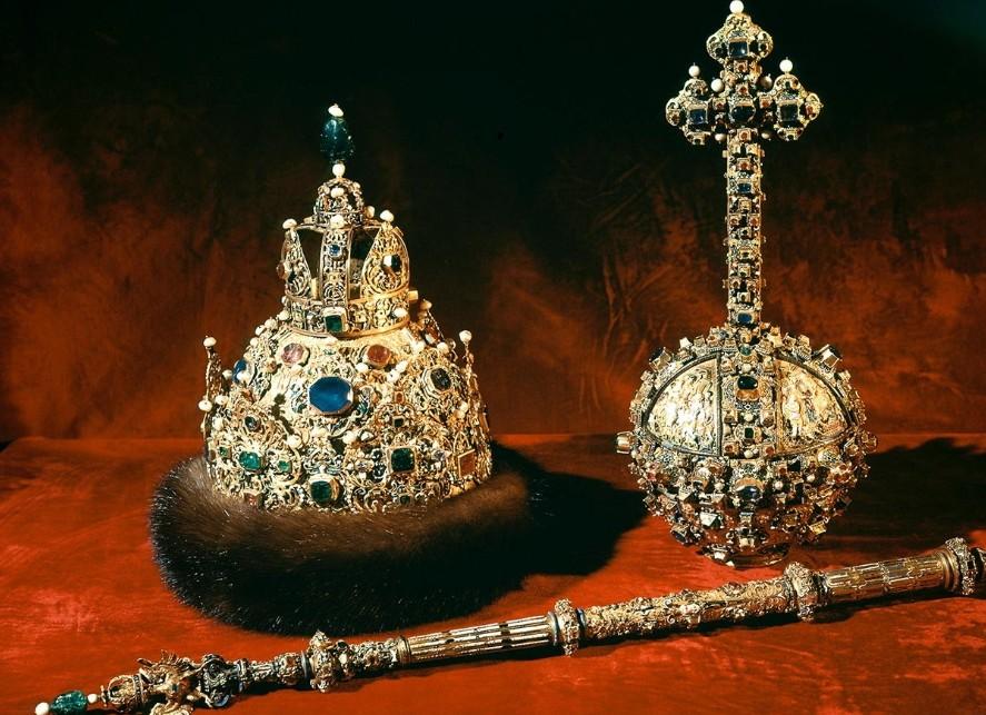 Thần khí của Sa hoàng Nga: vương miện, quyền trượng và quả cầu