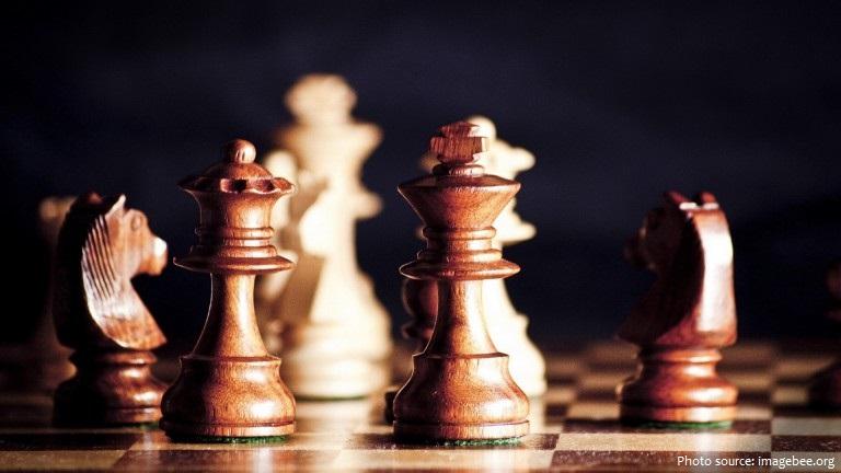 Cờ vualà một trò chơi trên bàn mang tính giải trí và cạnh tranh được chơi giữa hai người chơi.