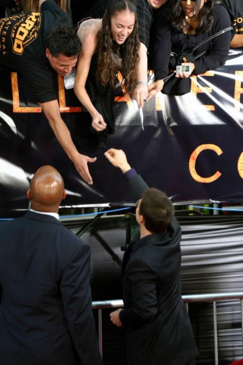 Tom Cruise với người hâm mộ