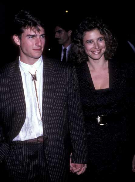 Tom kết hôn lần đầu ở tuổi 24 với nữ diễn viên Mimi Rogers