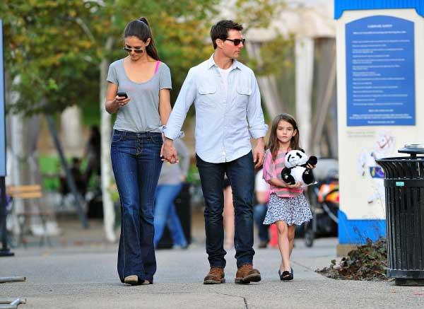 Tom cùng con gái Suri và Katie Holmes