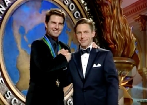 Tom Cruise và David Miscavige