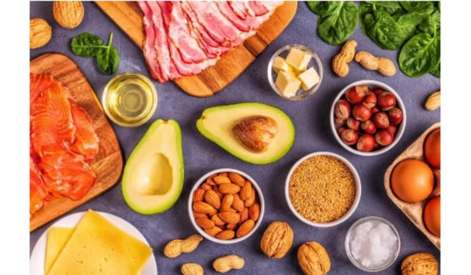 đối với hầu hết mọi người, những rủi ro lâu dài có thể có của chế độ ăn keto, bao gồm bệnh tim, ung thư, tiểu đường và bệnh Alzheimer, vượt trội hơn những lợi ích có thể có của nó